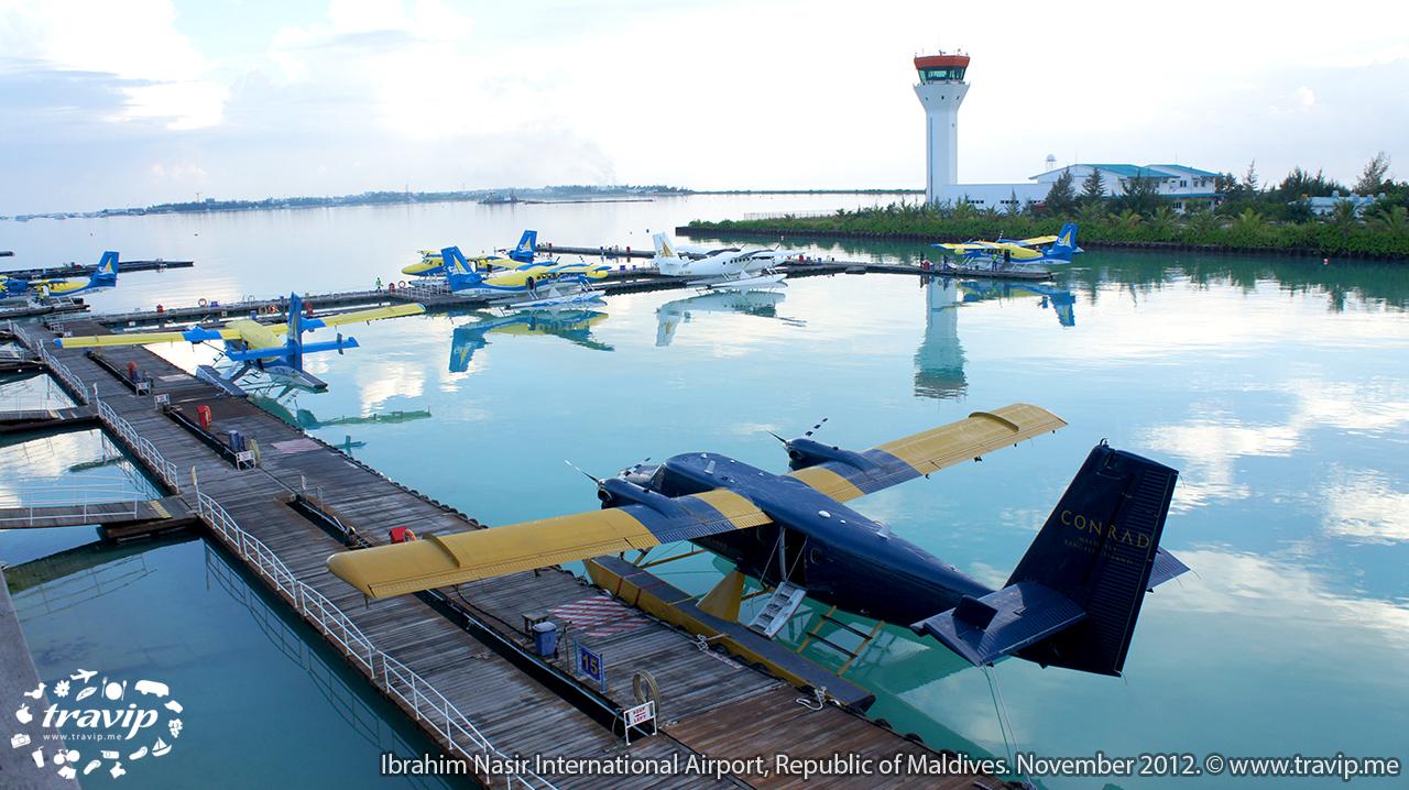 Bãi đậu thủy phi cơ ở Maldives, đưa du khách đến các resort xa xôi, nơi không có sân bay riêng.