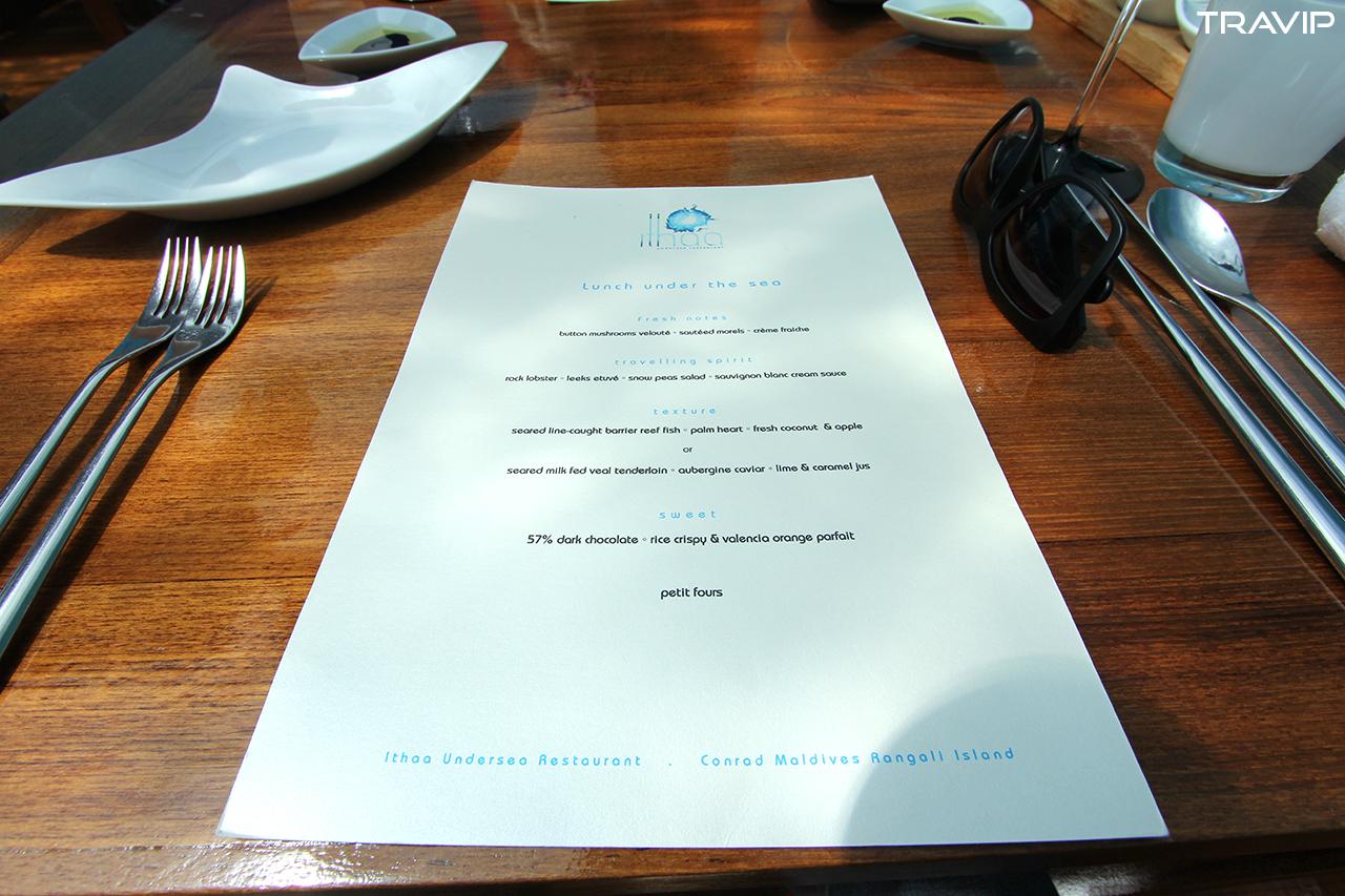 Menu của Ithaa. Nhà hàng không phục vụ À la carte, không buffet, chỉ có set menu.