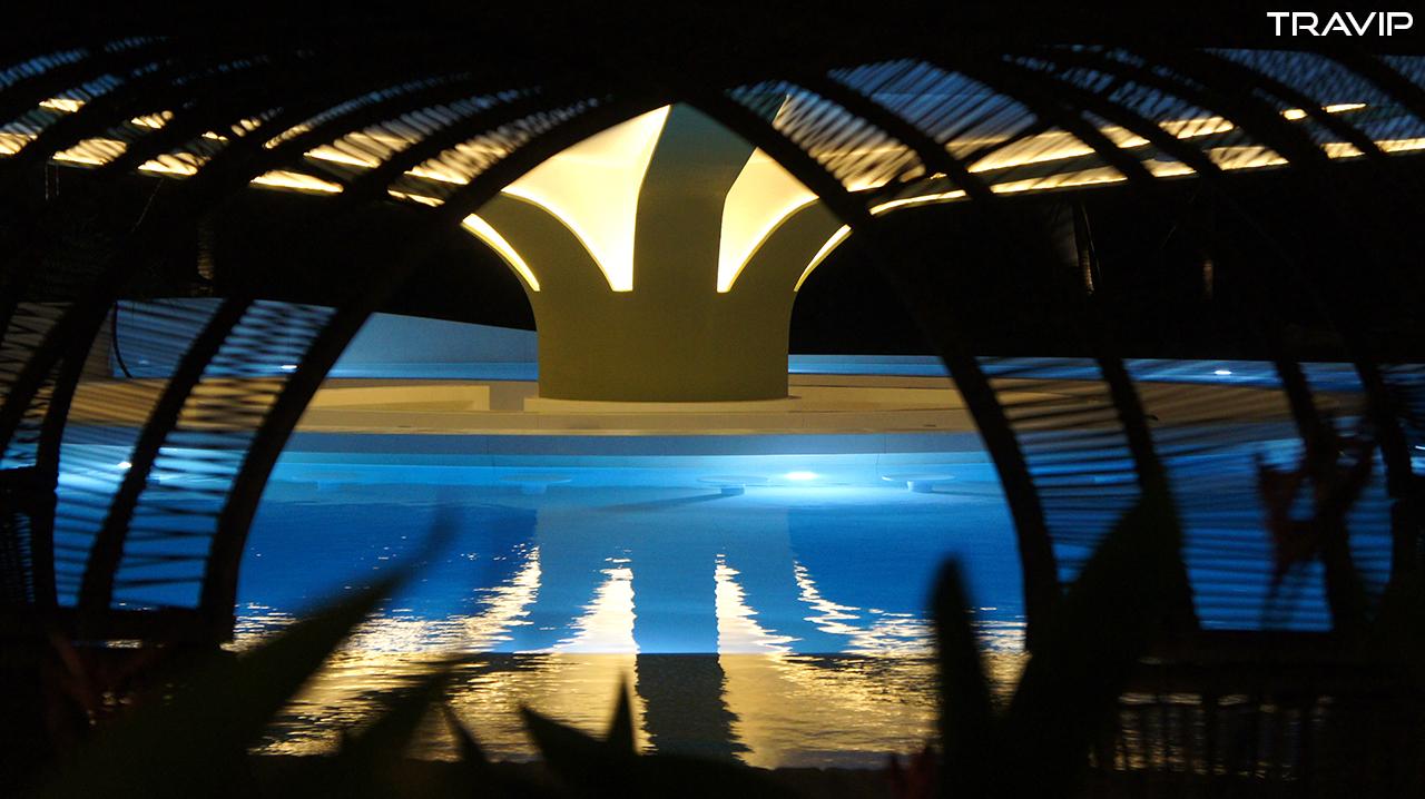 Pool Bar về đêm
