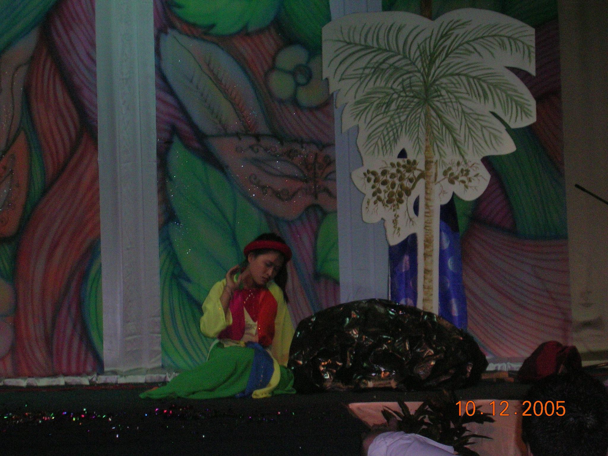 Sinh viên Việt Nam diễn vở kịch Sự tích Trầu Cau bằng tiếng Anh.