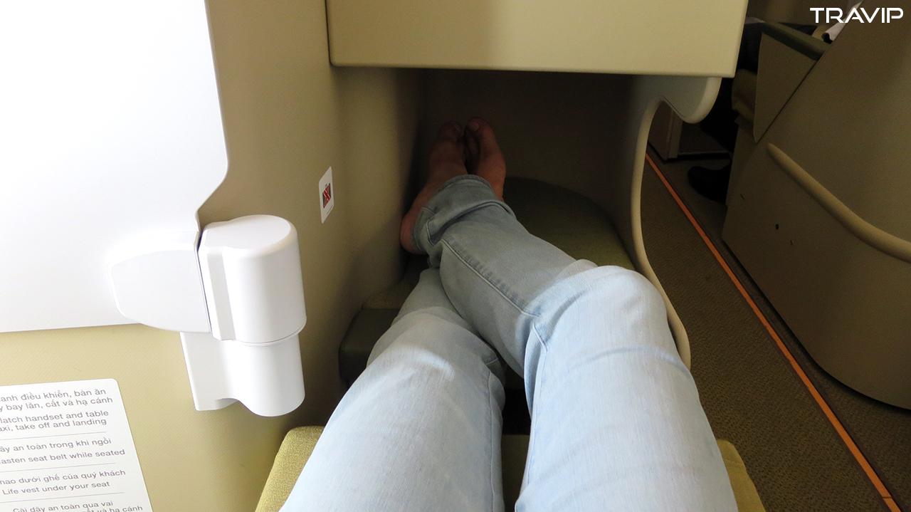 Ghế ngồi hạng thương gia có thể ngả thành giường phẳng.