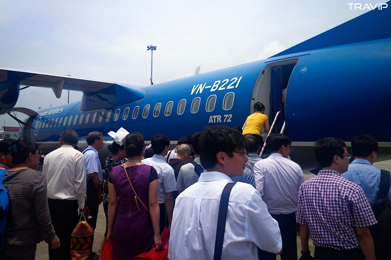 Chuyến bay đến Điện Biên Phủ đầy khách.