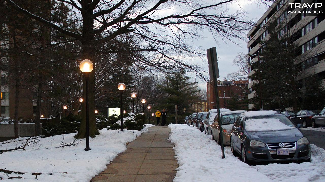 Con đường đầy tuyết ở Washington DC, tháng 2-2011.
