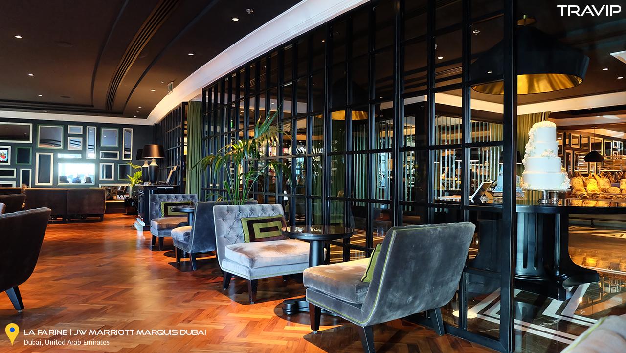 Bên trong nhà hàng La Farine ở JW Marriott Marquis Hotel Dubai.