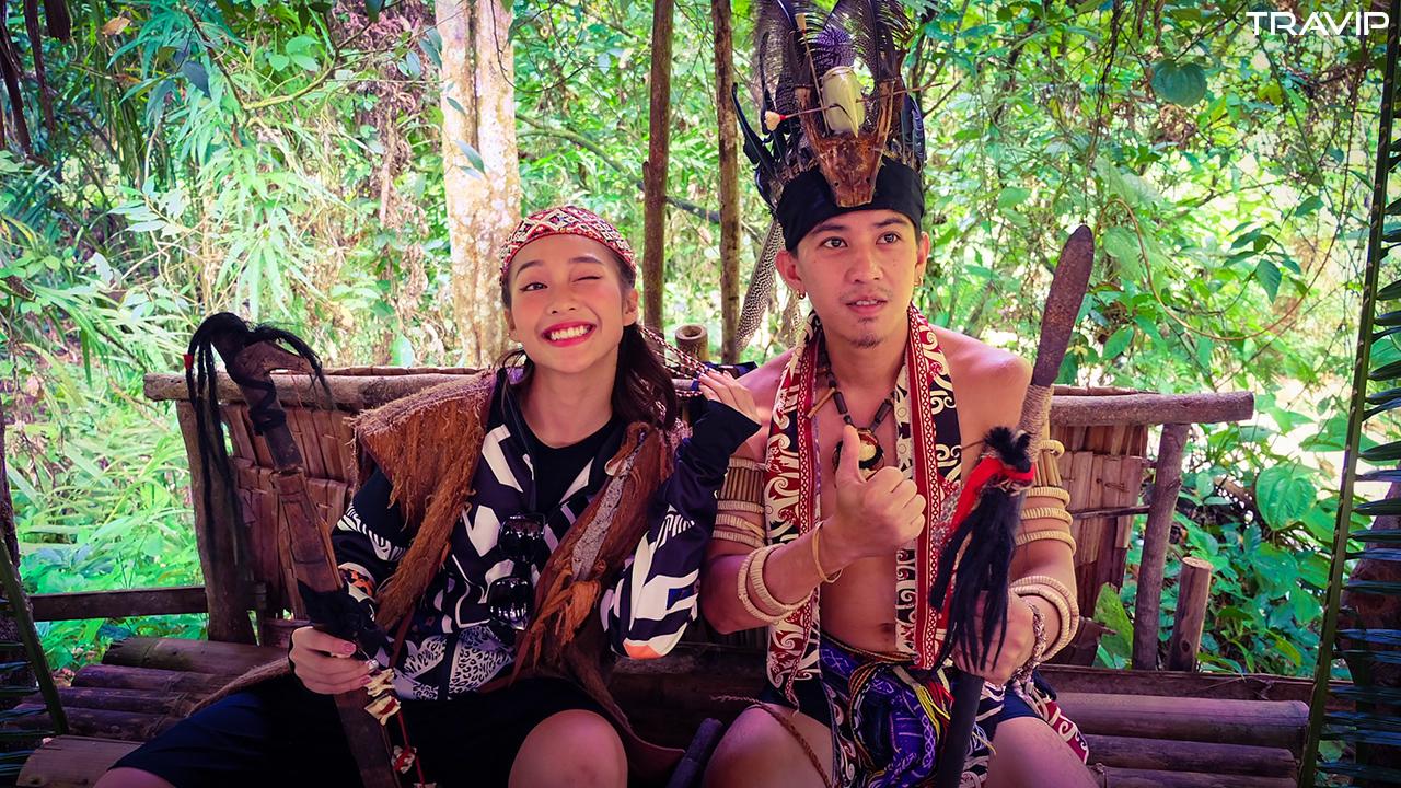Cùng thổ dân bộ lạc săn đầu người ở Mari Mari.